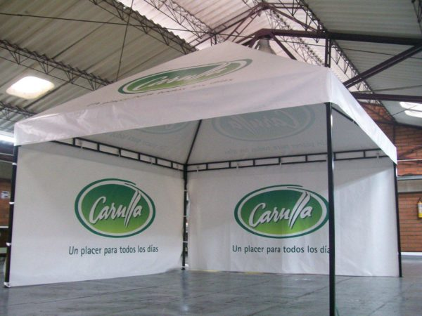 Carpa tipo Kiosco 4x4 con cortinas laterales